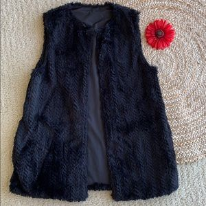 Betsey Johnson black faux fur party vest